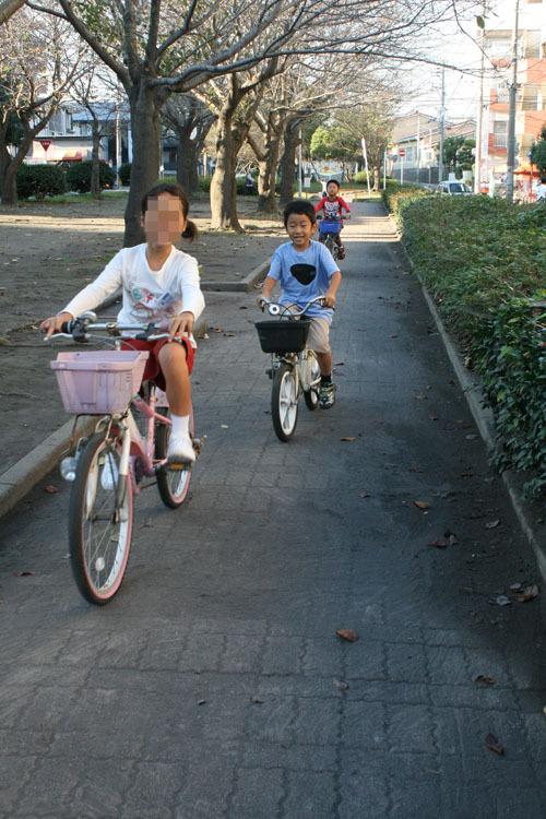 111024よっしぃ自転車2.jpg
